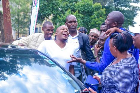 Starehe MP Charles Njagua shares a laugh with some of his supporters on January 18, 2020