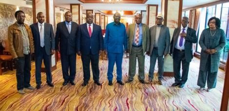 ODM party leader Raila Odinga (center) alongside Interior CS Fred Matiang'i (to his right) ,Kisii Governor James Ongwar (to his left), and other leaders.