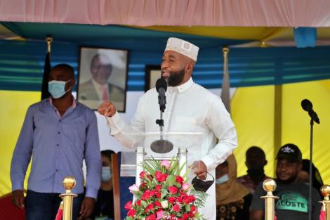 Mombasa Governor Hassan Joho addressing the public at Frere town grounds on February 16, 2021