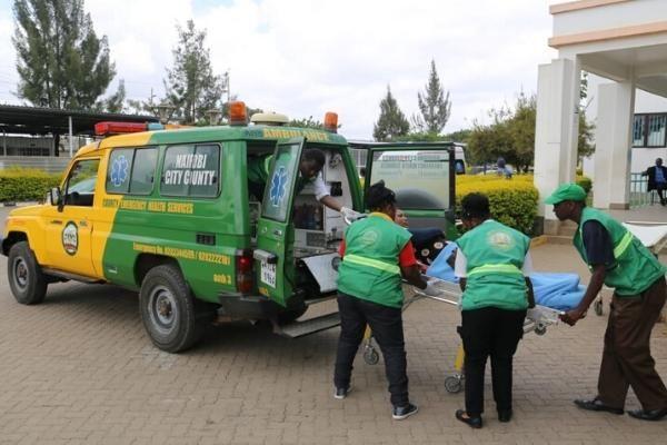 Sonko Rescue Team lift Jane Muthoni into an ambulance on Friday, February 14, 2020