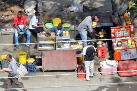 Vendors selling food along Nyerere Avenue in Mombasa on October 4, 2016.