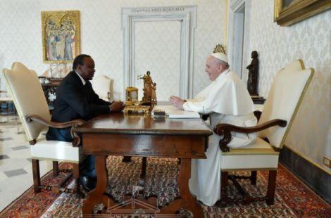 President Uhuru Kenyatta during a meeting with Pope Francis at Vatican on November 6, 2020.