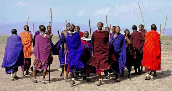 Kenya cultural safari Masai people dancing