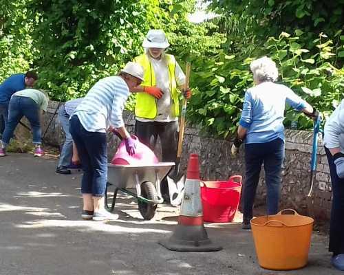 Kidmore End Ladies gardening 2