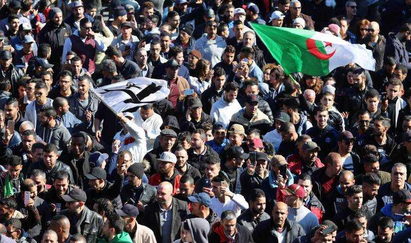 manifestation des algériens