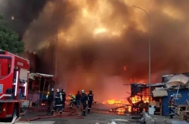 Urgent: La mairie de Ziguinchor en proie à un incendie