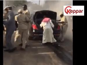 cortège 300x224 Limousine brûlée de Macky Sall: les failles intolérables dans la sécurité présidentielle