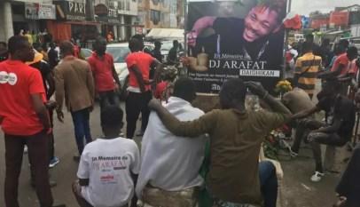 Enterrement de Dj Arafat: Ce que l'on sait de des affrontements entre policiers et les fans de l'artiste