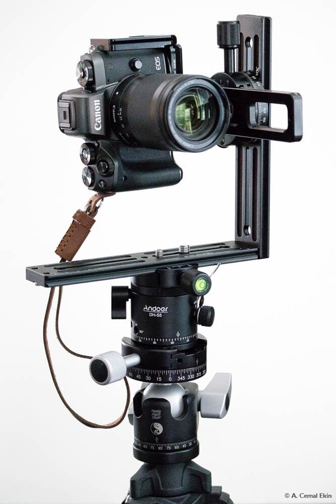 Mount the camera on the nodal point slider