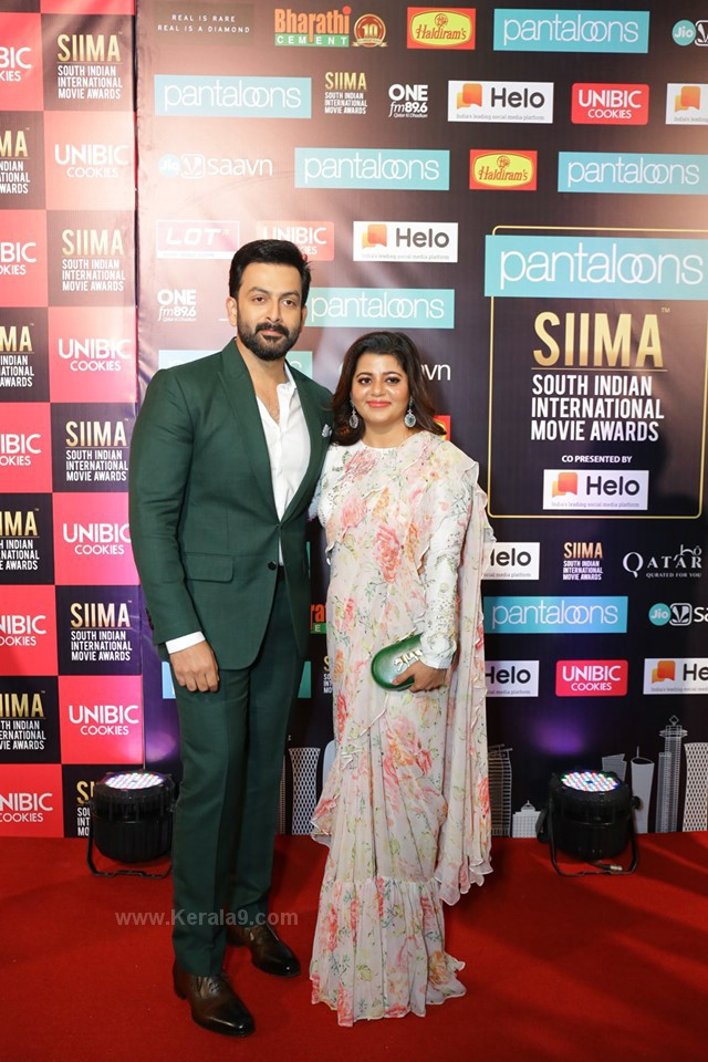 prithviraj and wife at siima awards 2019 photos 054