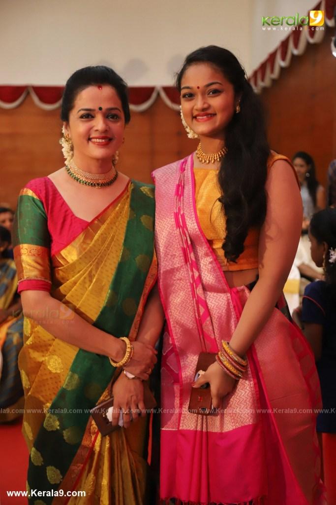 vinduja menon and daughter at actress mahalakshmi marriage photos 003
