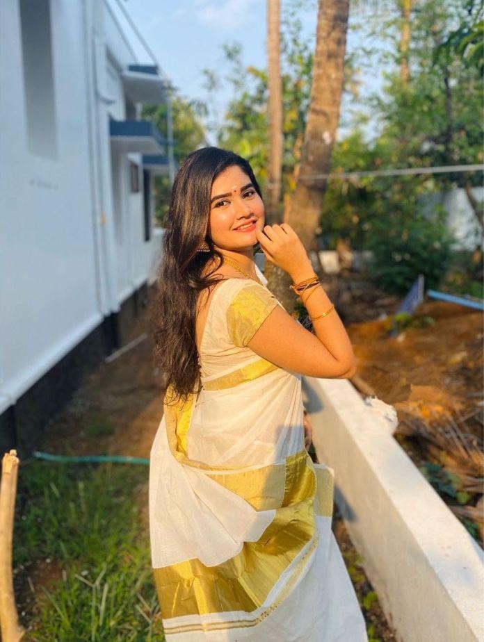 actress vishu celebration pics 003