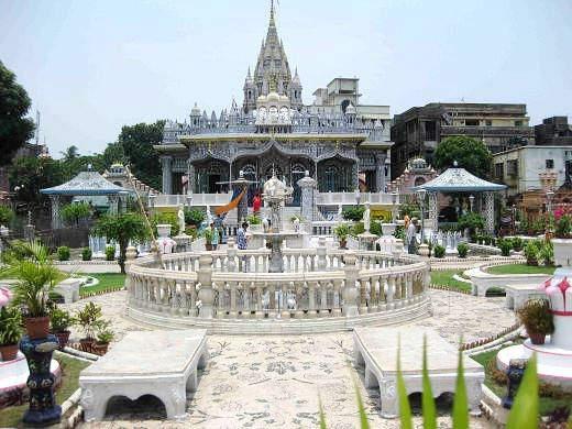koottamundu-glass-temple-kalpetta-Wayanad