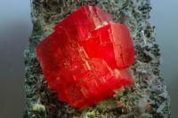 Синтетические камни.
