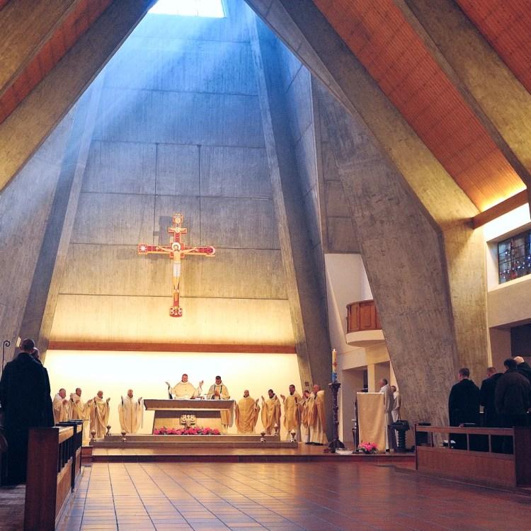 Messe à l'abbaye Sainte-Anne de Kergonan