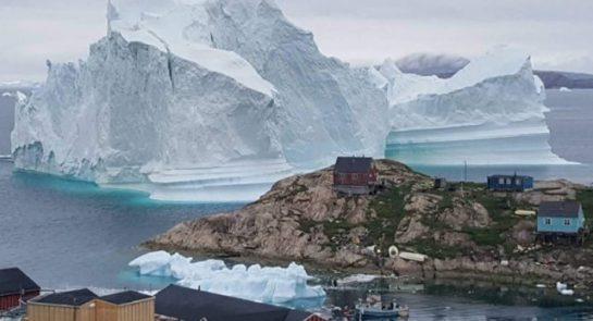 Grönland'da Buz Dağı Tehlikesi