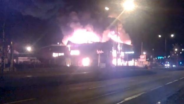 Locaux de Rennes Motos en flamme