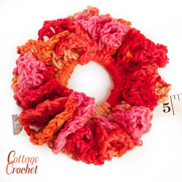 Crochet Scrunchie in orange and pink