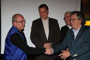 Hennie van Oers ontvangt felicitaties