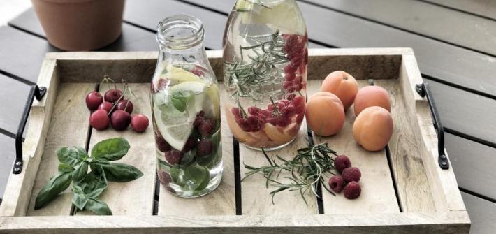 Infused Water - aromatisiertes Vitaminwasser mit Obst, Gemüse und Kräutern