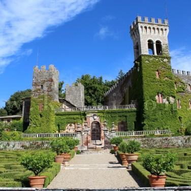 Castello di Celsa, a barokk stílusú várkert teraszolt