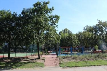Játszókert parkban