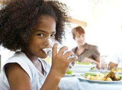 7 Mitos tentang Air Minum