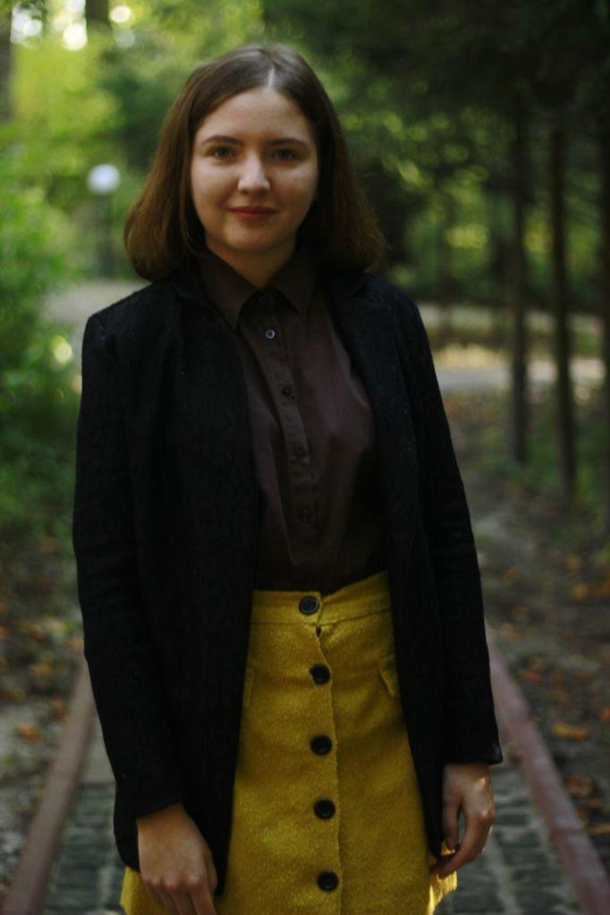 Студентка программы ЛПМС, Оля. Оля - 18 лет, Киев