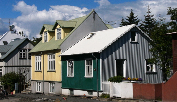 冰島鐵皮屋 (http://www.gard-sibley.org/g_and_m_files/Scandi5_Iceland.html)