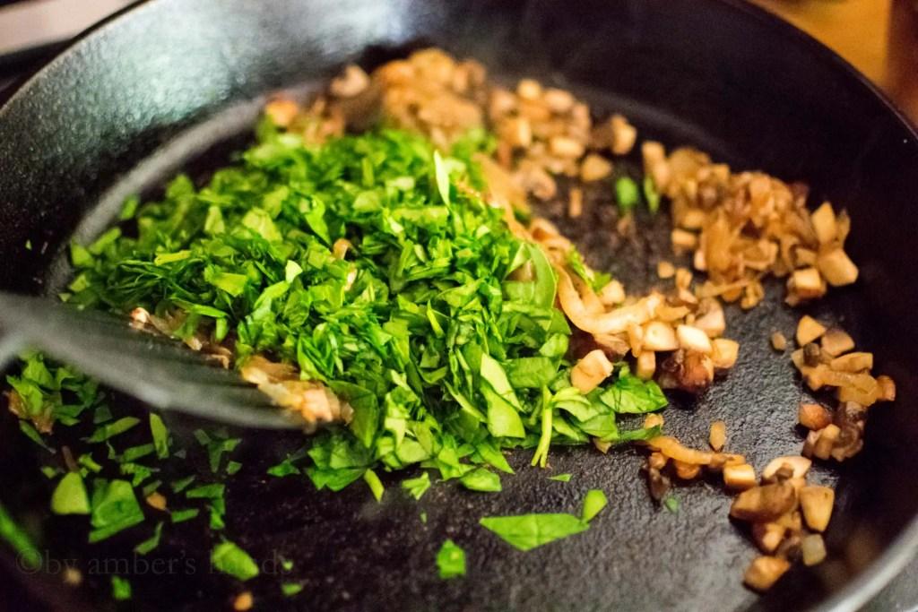 Low Carb Onion, Mushroom, and Spinach Flatbread -keto cake walk-