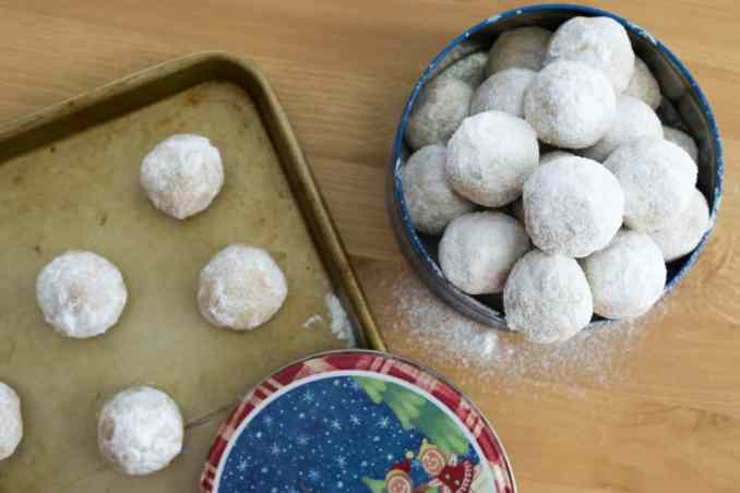 walnut snowball christmas cookies