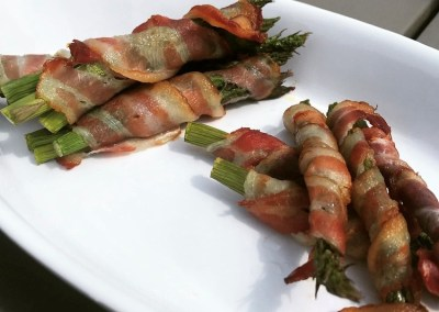 Asperges in bacon