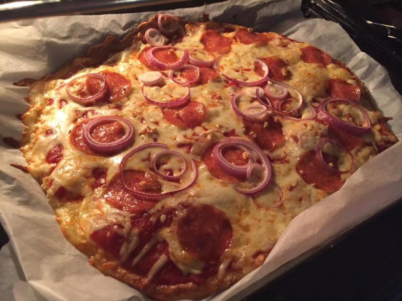 Ketogeeniseen ruokavalioon soveltuva pizzapohja