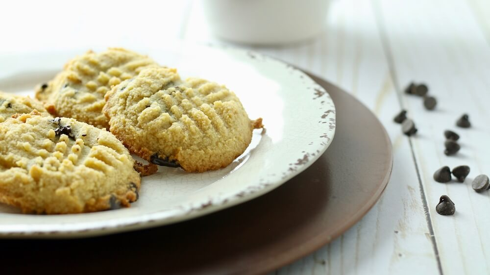 Easy Keto Chocolate Chip Butter Cookies