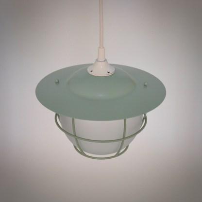 Industriële Kooilamp met melkglas mintgroen