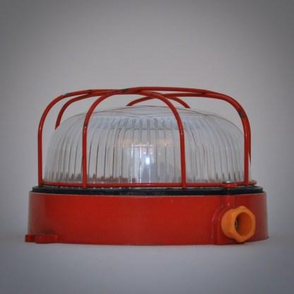 Industriële plafonnière of wandlamp in rood