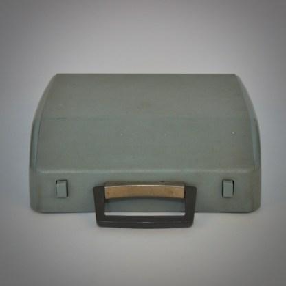 Grijs/blauwe typemachine van Brother Industries