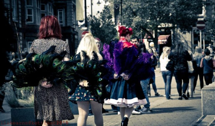 Girls with Feathers at KettFest2015