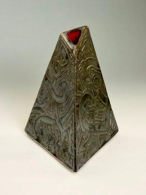 Weenus Vase V6 by Kevin Eaton