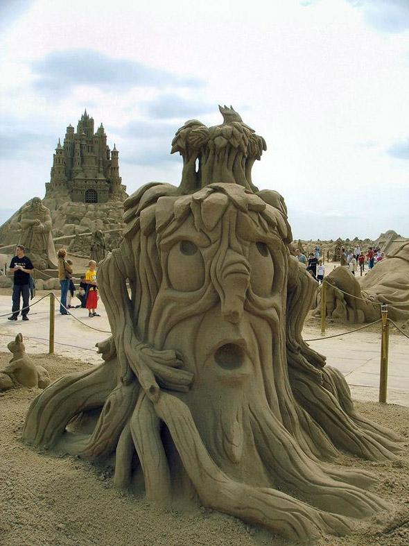 Zandsculpturen festival lommel