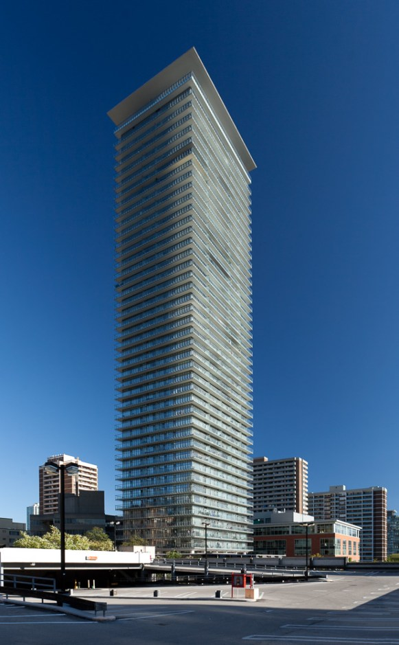 Toronto condominium tower - Architects Alliance photographed by Kevin Thom