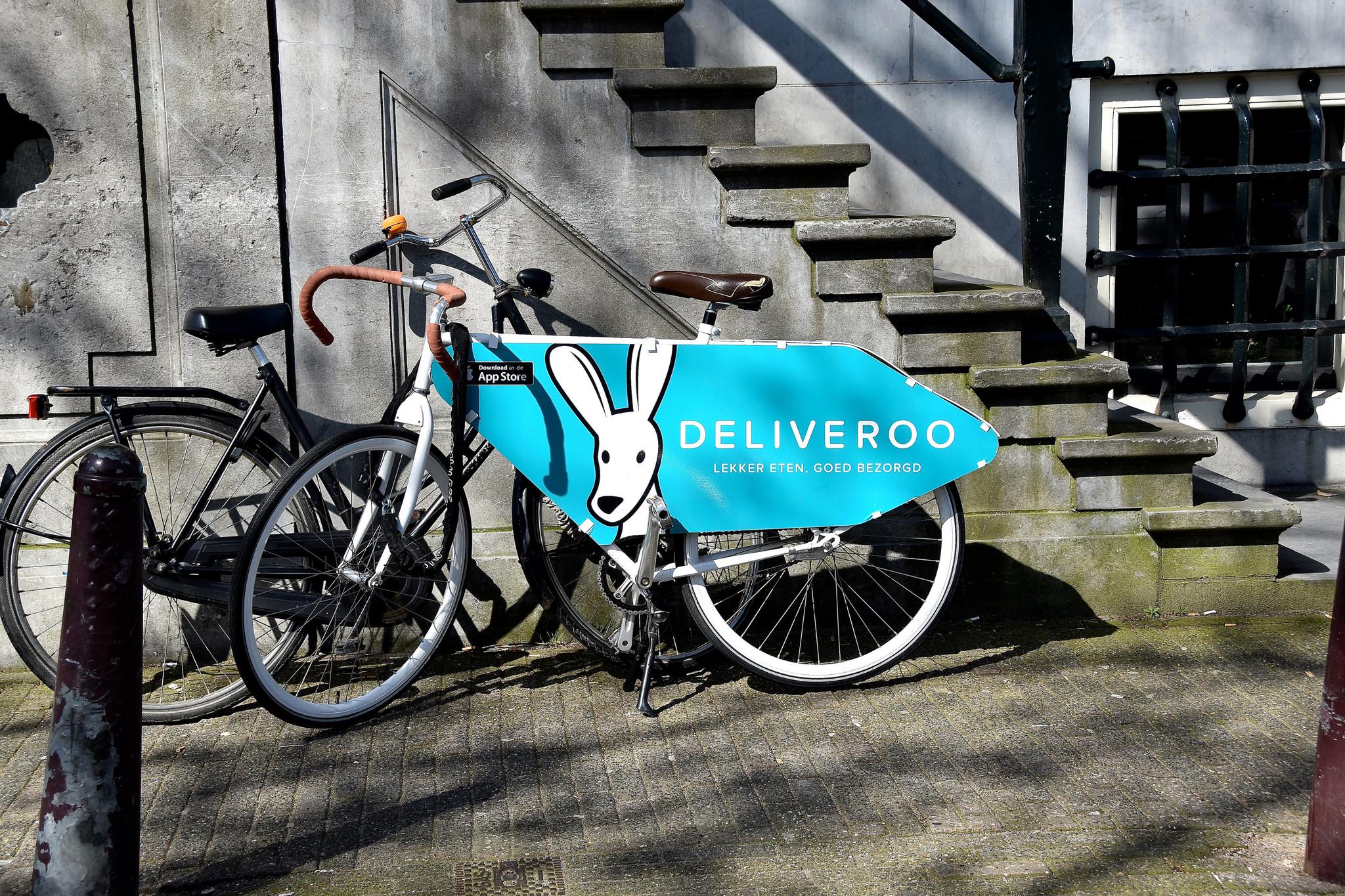Deliveroo - competir en condiciones laborales