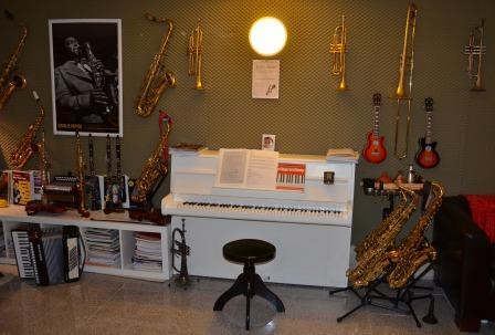 Musikschule für Keyboards-, Klavierunterricht, Harmonielehre, Tonstudio-Workshops und Geschenk-CD Aunfnahme in Münster