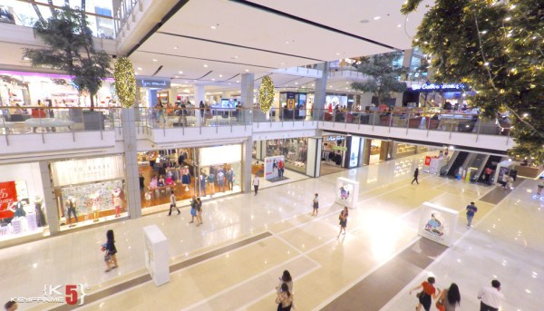 CentralWorld - Largest shopping center in Thailand ...