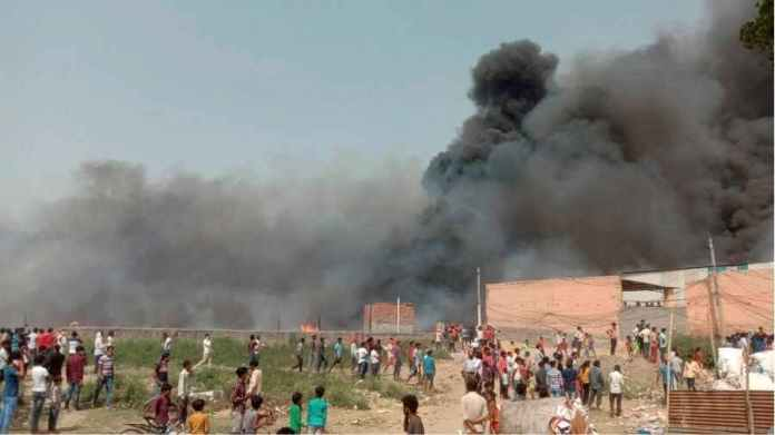 Terrible fire in Noida settlement, 2 children died in the blaze