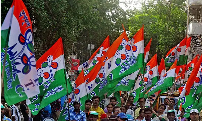 protest of arrest of Trinamool leader in bonga