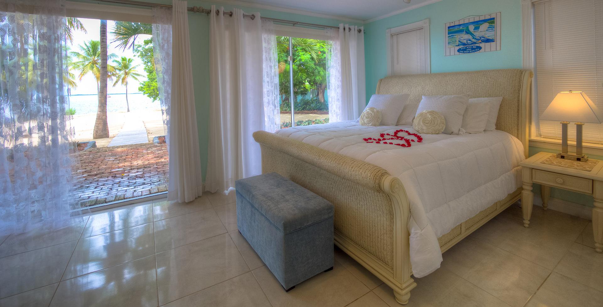 Coral Beach Accommodations Top Wedding Venues In Fl Key Largo Lighthouse Beach Weddings