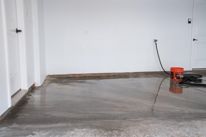 how to get oil off concrete garage floor