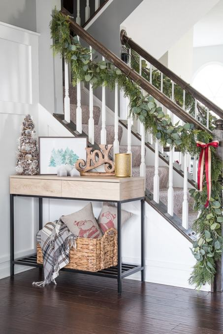simple home dining rooms. A simple Christmas dining room tour  Beautiful garland and festive modern classic decorations deck out Simple Dining Room Tour Jingle Through Decor Blog Hop