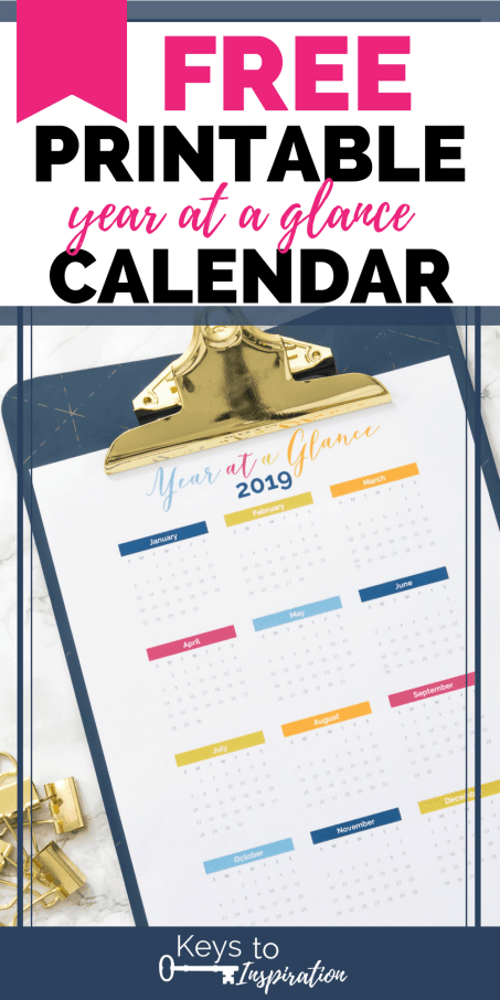 2019 year at a glance calendar on a clipboard
